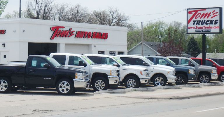 Used Car Dealerships In Des Moines >> Used Commercial Diesel Gas Truck Dealer Des Moines Ia